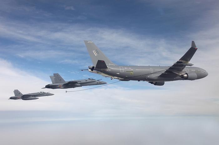 Cobham_RAF_Voyager.jpg