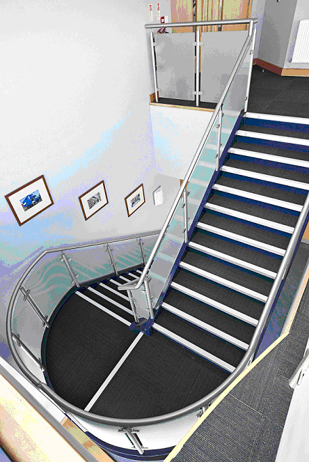 Gradus_Stair_Tread.jpg