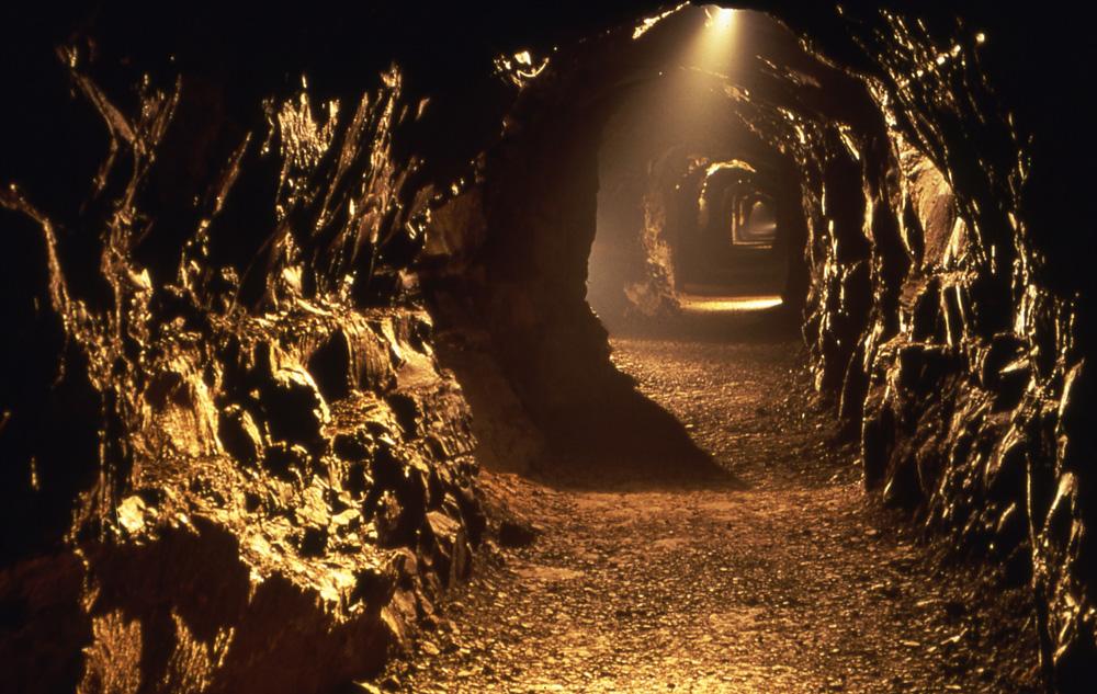 Landia_Aillwee_Cave.jpg