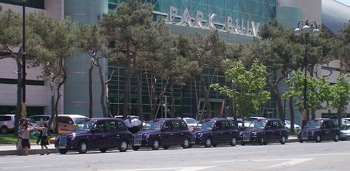 London_Taxis_Baku.jpg