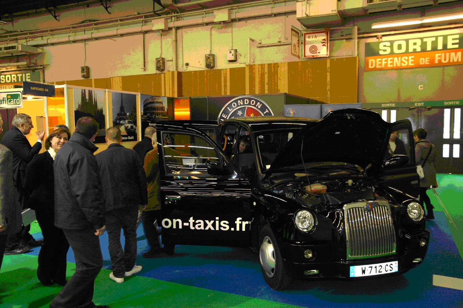 London_Taxis_Paris.jpg